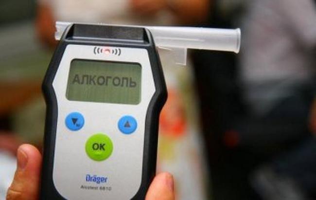 Поліцейські Закарпаття затримали п'яного водія, який пояснив свій стан коронавірусом