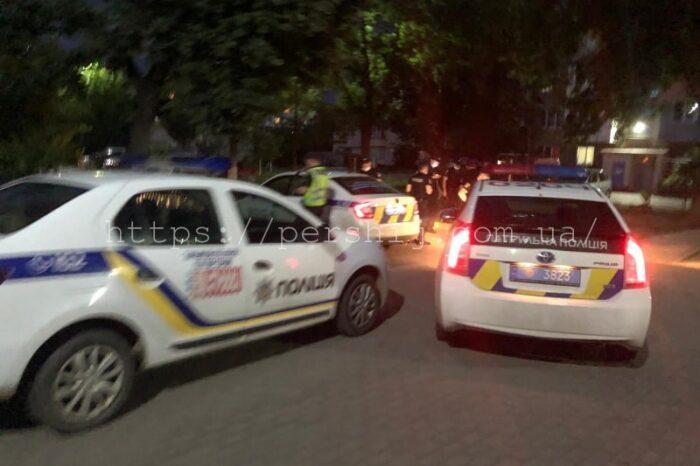 Винуватця не знайдено: поліцейські прокоментували вечірню стрілянину в Мукачеві (ВІДЕО)