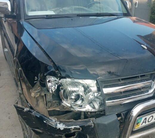 У Солотвині нетверезий водій на «Mitsubishi Pаjеrо» в'їхав у бетонну електроопору