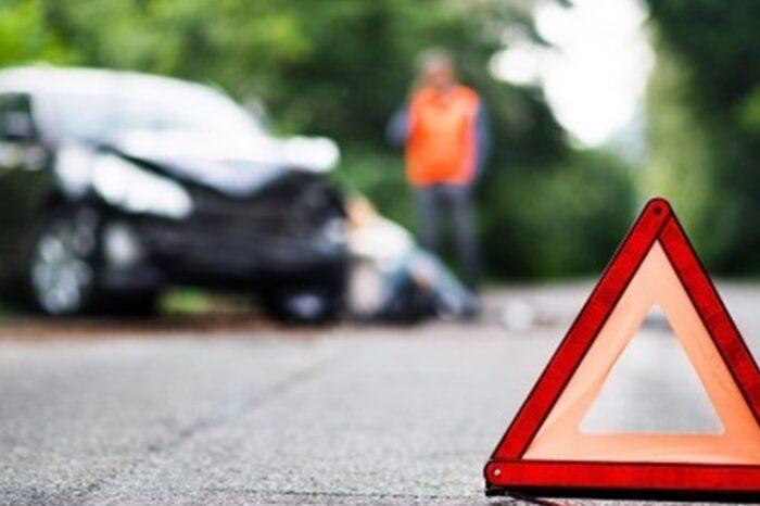 На Ужгородщині п'яний водій розбив у кюветі автомобіль