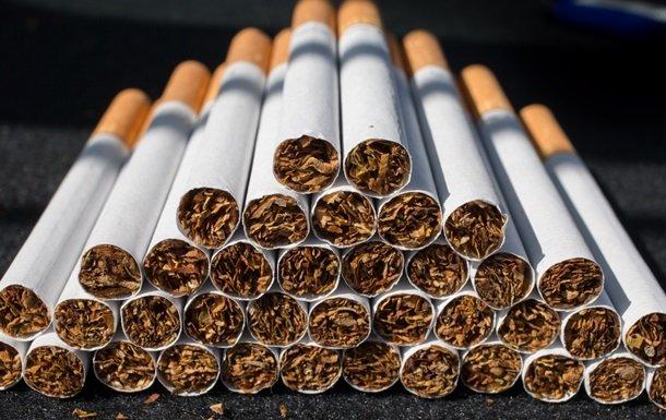 Судитимуть закарпатця, який на тракторі  хотів переправити цигарки до ЄС
