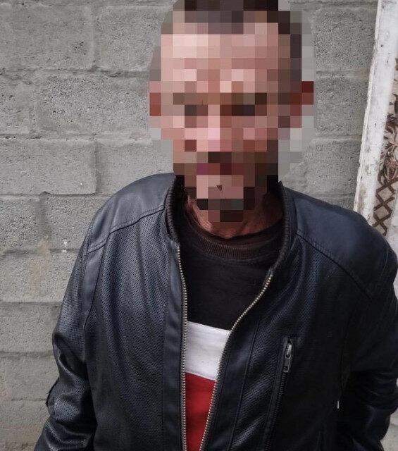 На Мукачівщині рецидивіст проник до помешкання юної дівчини та вкрав телефон
