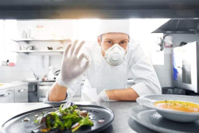Ресторатори проти: карантин вихідного дня на Закарпатті