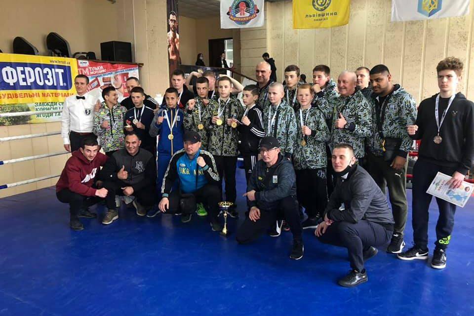 «Одеса тримайся - ми їдемо»:  Закарпатські боксери посіли перше місце на Зональному чемпіонаті України (ФОТО)