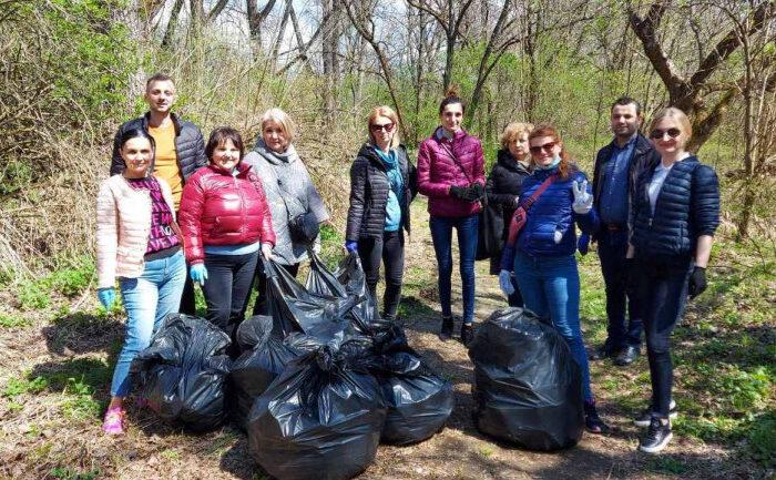 В Ужгороді під час прибирання зібрали 60 м куб. сміття (ФОТО)