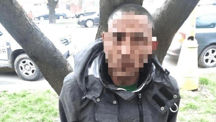 В Ужгороді на проспекті Свободи чоловік скоїв напад на дівчину