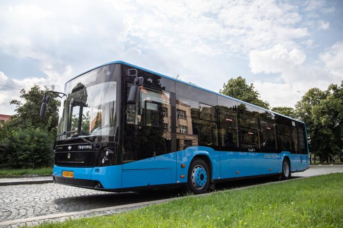 В Ужгороді планують придбати для міста ще 6 нових автобусів з низьким рівнем підлоги