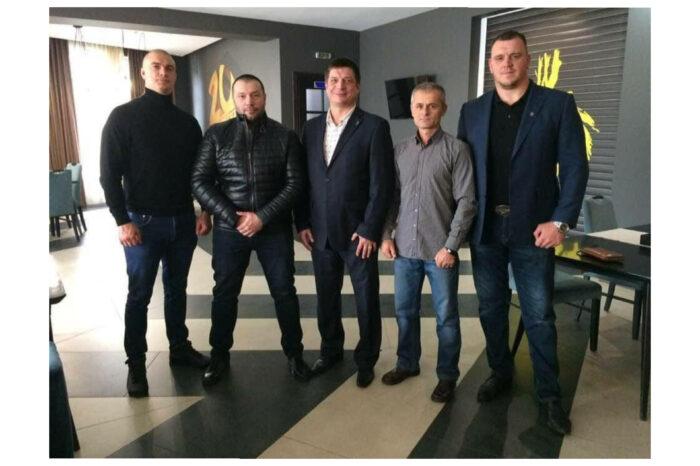 Євген Молнар вітає з днем народження Президента Федерації боксу Закарпаття - Миколу Жолтані