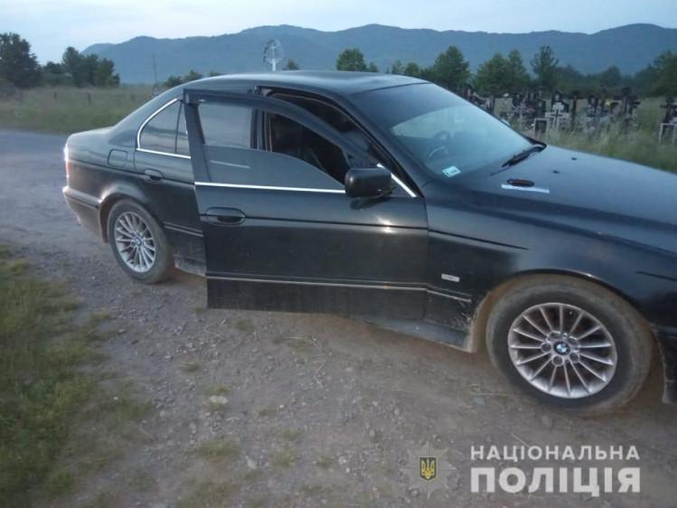 На Тячівщині водій роз'їжджав із кастетом